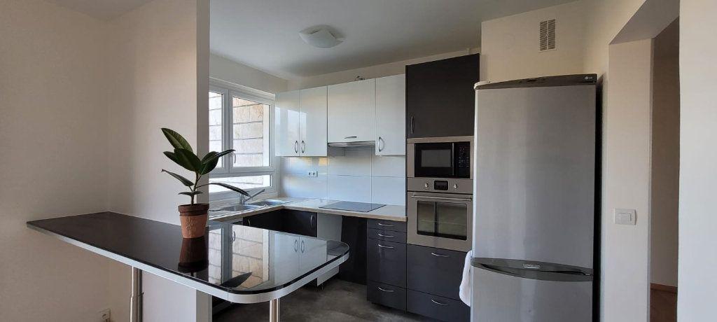 Appartement à louer 3 61m2 à Saint-Maur-des-Fossés vignette-3