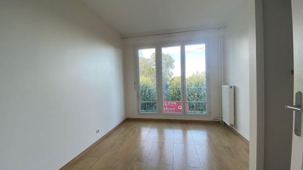 Appartement à louer 3 61m2 à Saint-Maur-des-Fossés vignette-7