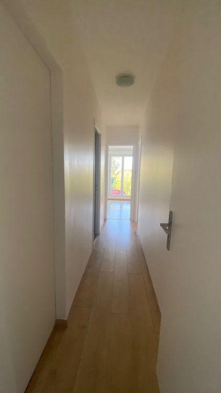 Appartement à louer 3 61m2 à Saint-Maur-des-Fossés vignette-9