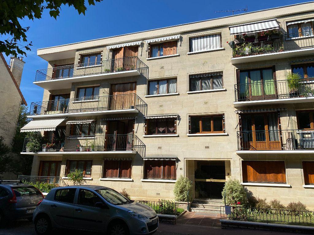 Appartement à louer 1 29m2 à Saint-Maur-des-Fossés vignette-1