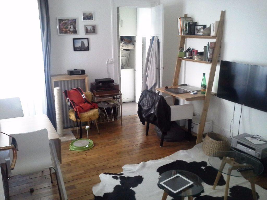 Appartement à louer 2 43.9m2 à Paris 20 vignette-1