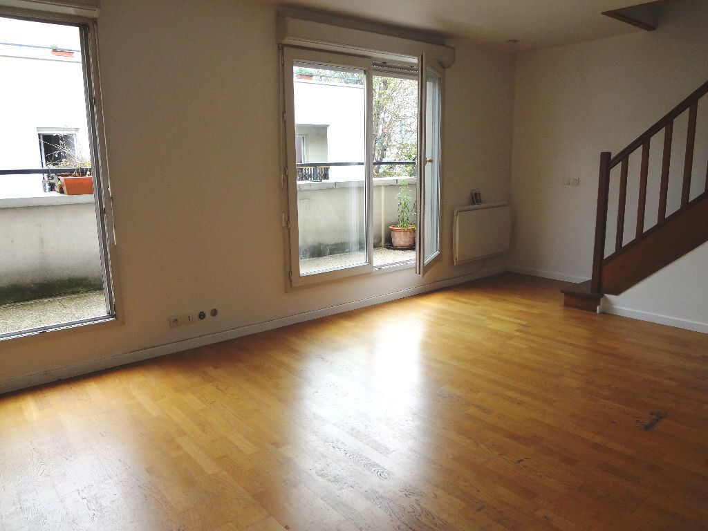 Appartement à louer 3 59.72m2 à Pantin vignette-1