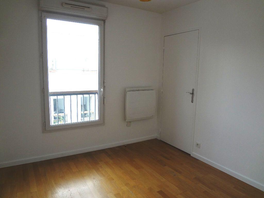 Appartement à louer 3 59.72m2 à Pantin vignette-5