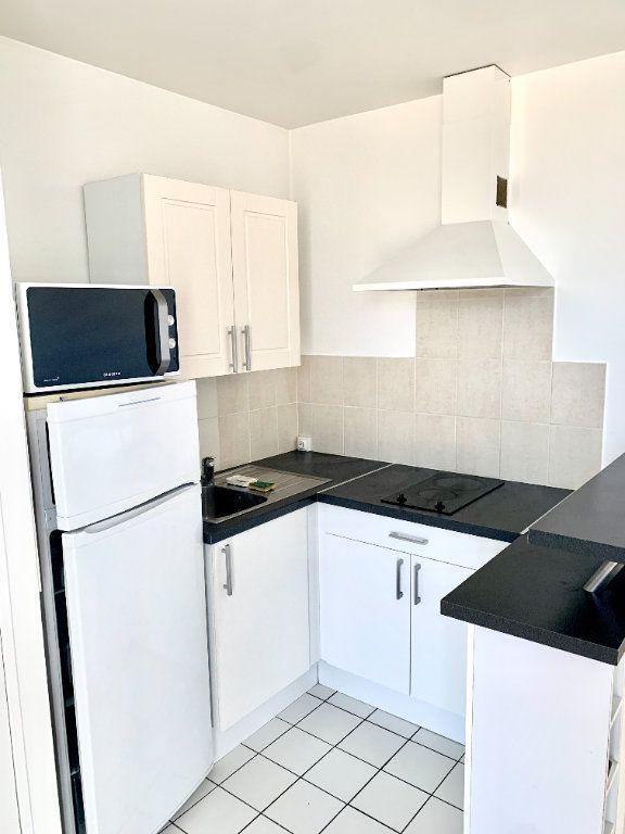 Appartement à louer 1 24.65m2 à Paris 19 vignette-4
