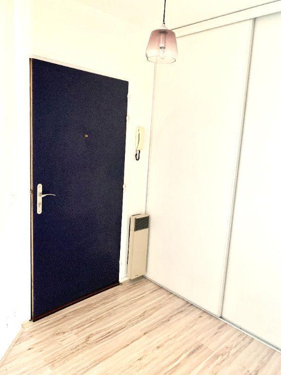 Appartement à louer 1 24.65m2 à Paris 19 vignette-7