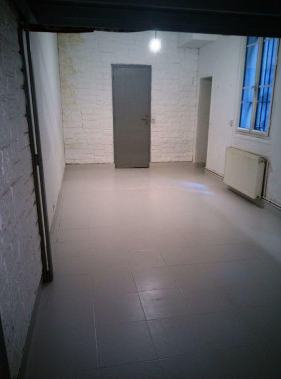 Appartement à louer 1 36m2 à Paris 19 vignette-3