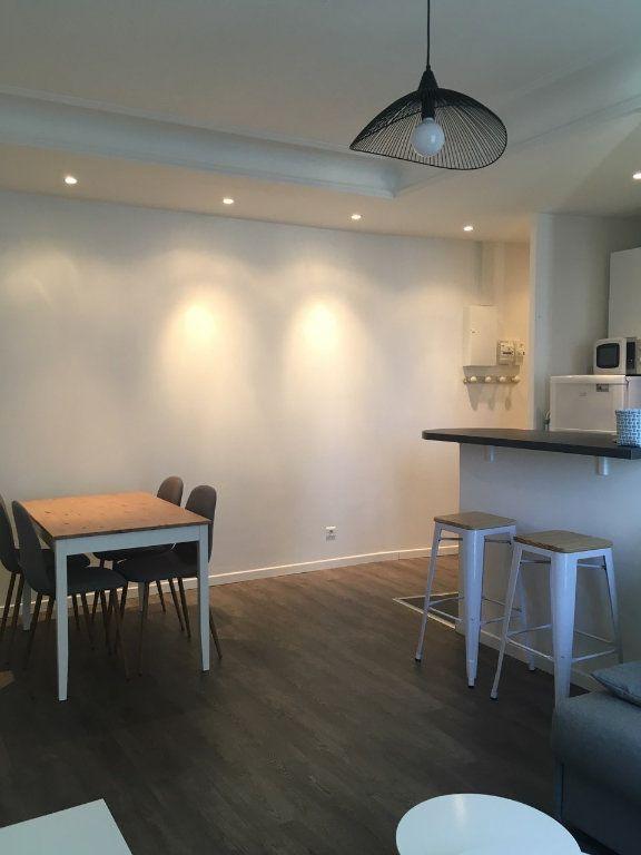 Appartement à louer 2 39.3m2 à Paris 19 vignette-1