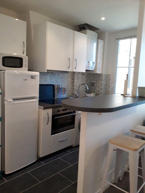 Appartement à louer 2 39.3m2 à Paris 19 vignette-2