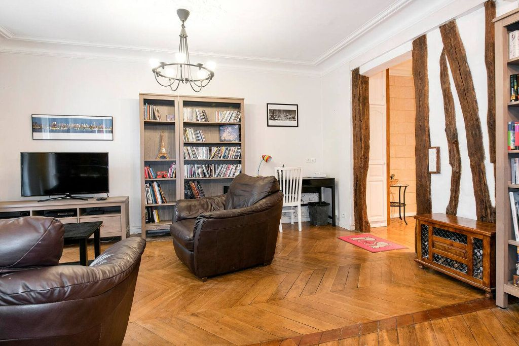 Appartement à louer 3 70.5m2 à Paris 10 vignette-1