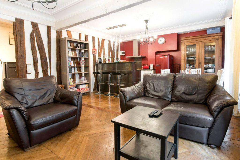 Appartement à louer 3 70.5m2 à Paris 10 vignette-4