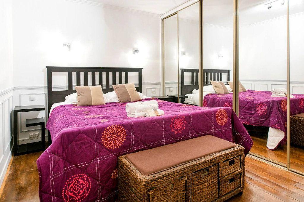 Appartement à louer 3 70.5m2 à Paris 10 vignette-10