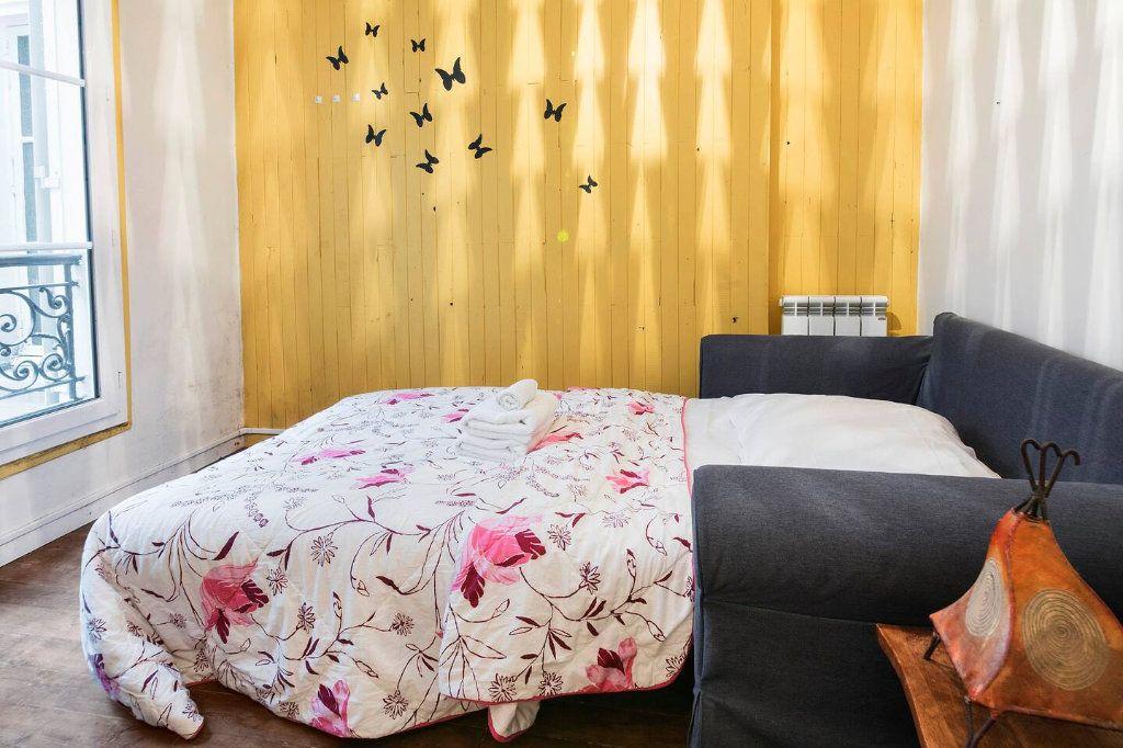 Appartement à louer 3 70.5m2 à Paris 10 vignette-11