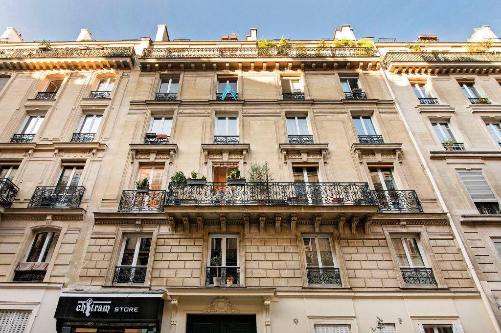 Appartement à louer 3 70.5m2 à Paris 10 vignette-12