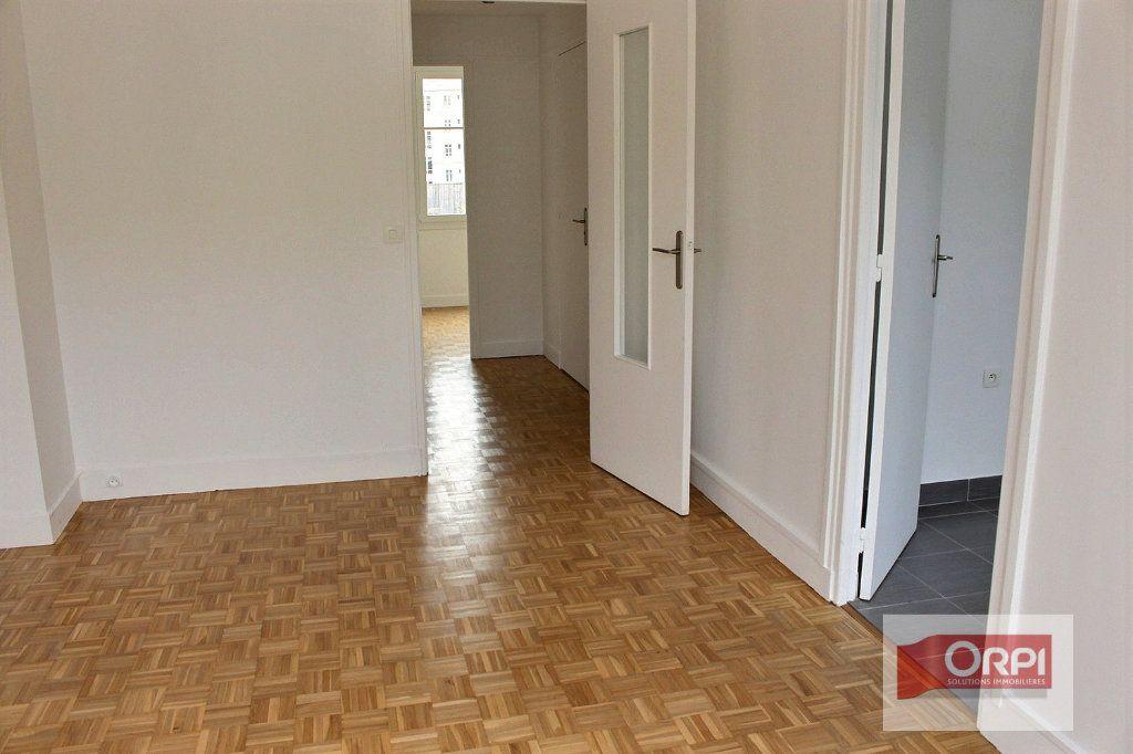 Appartement à vendre 2 41m2 à Paris 20 vignette-6