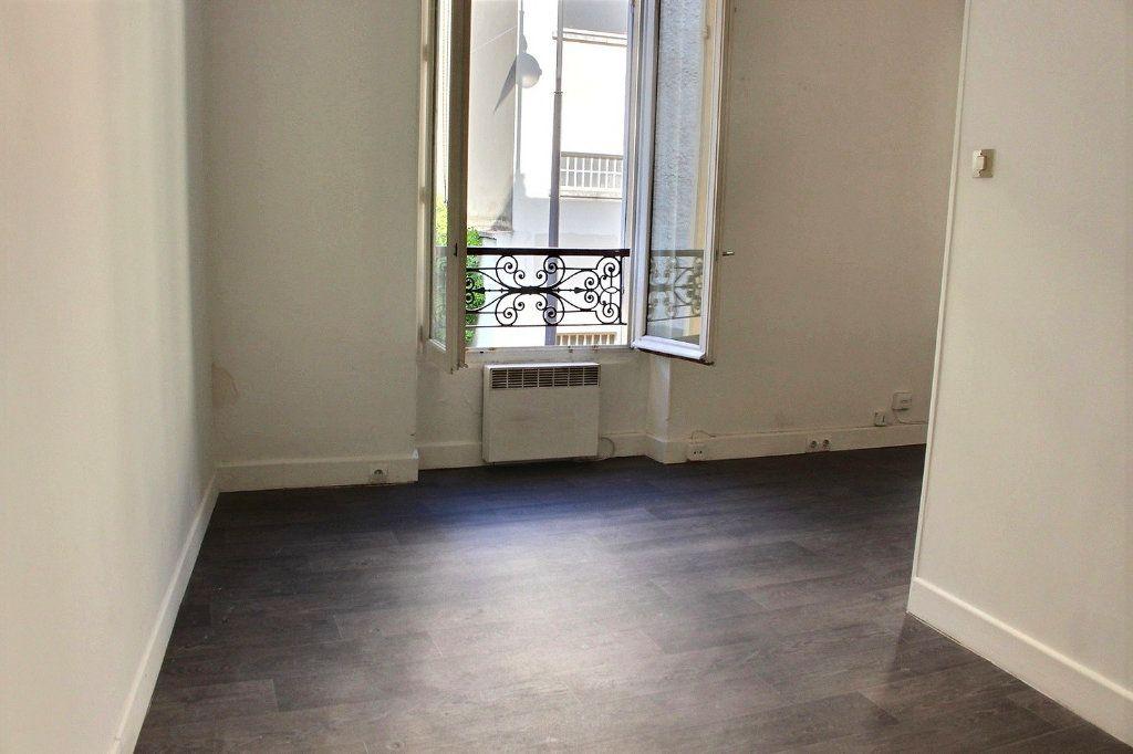Appartement à vendre 2 24m2 à Paris 19 vignette-2
