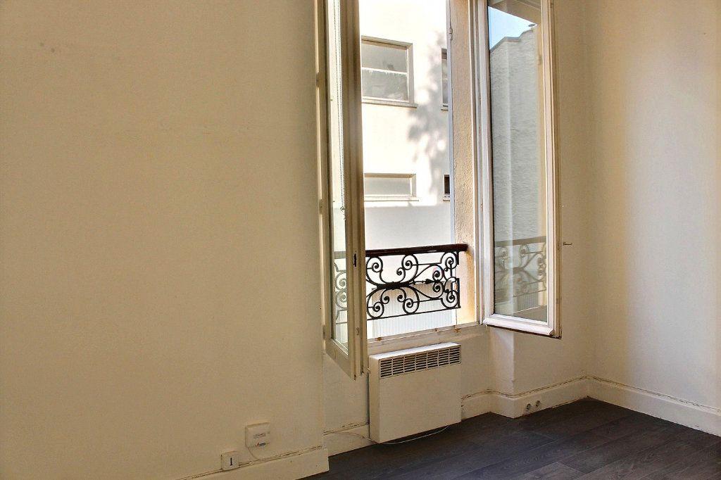 Appartement à vendre 2 24m2 à Paris 19 vignette-6
