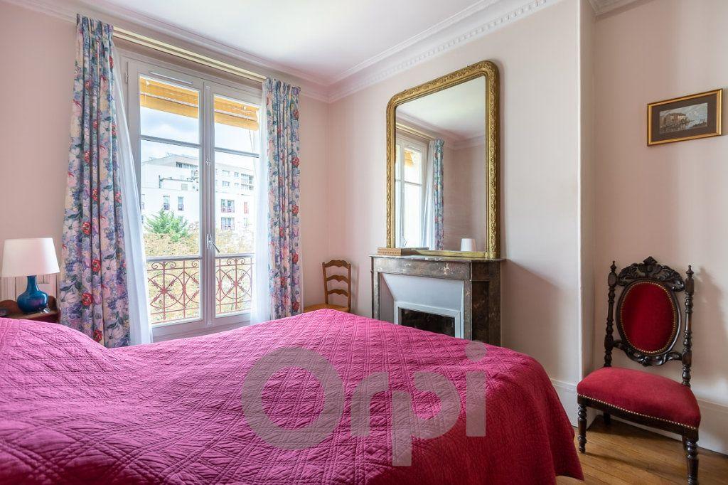 Appartement à vendre 5 115m2 à Paris 19 vignette-2