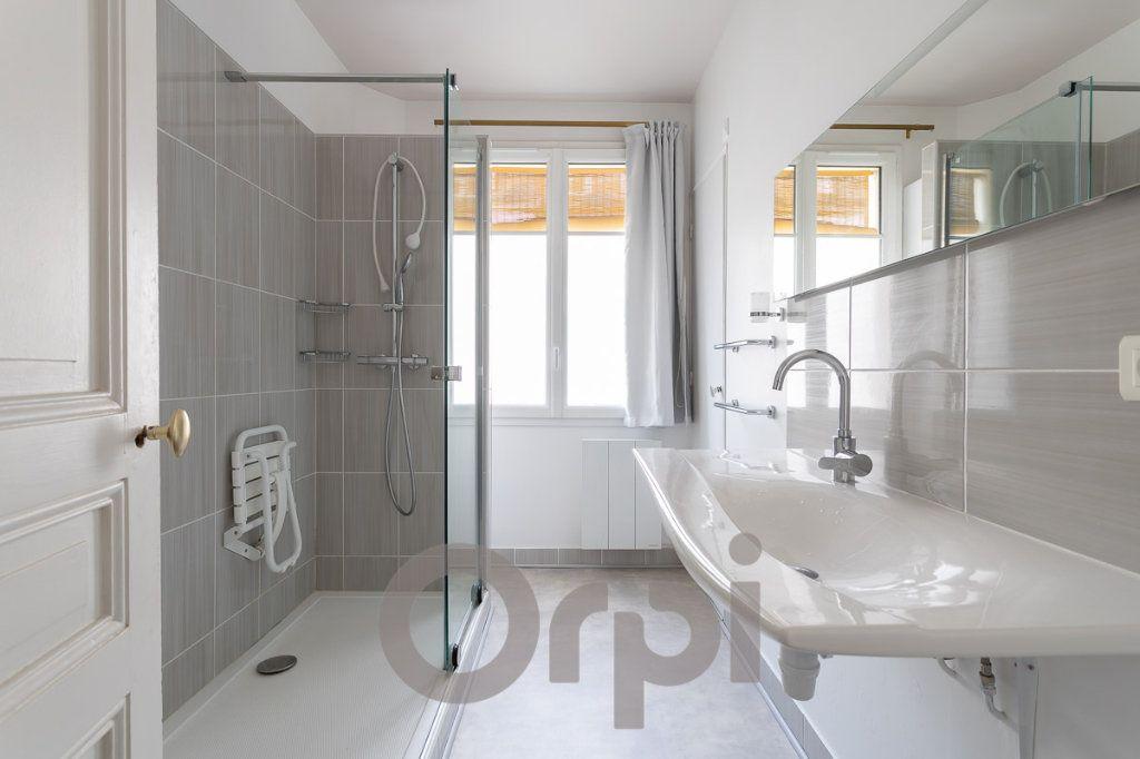 Appartement à vendre 5 115m2 à Paris 19 vignette-9