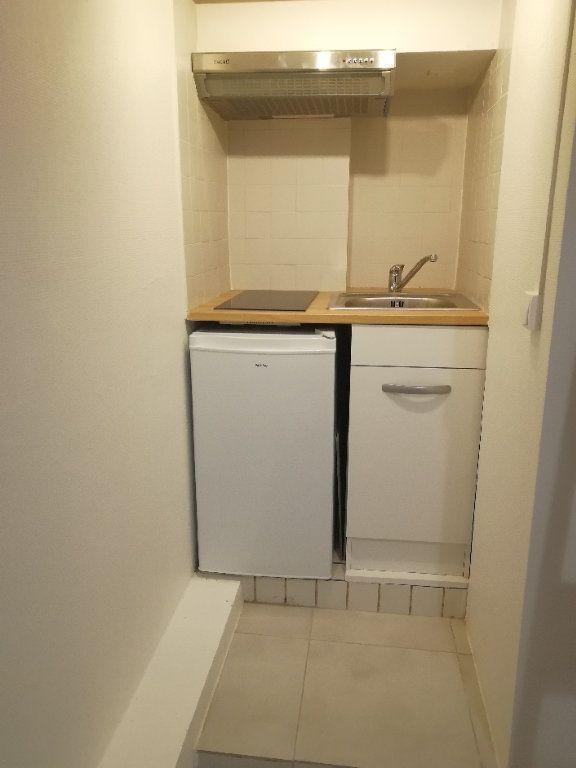 Appartement à louer 1 10.5m2 à Paris 11 vignette-5