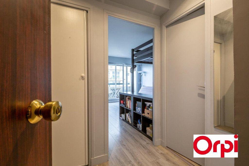 Appartement à vendre 1 29m2 à Paris 19 vignette-4