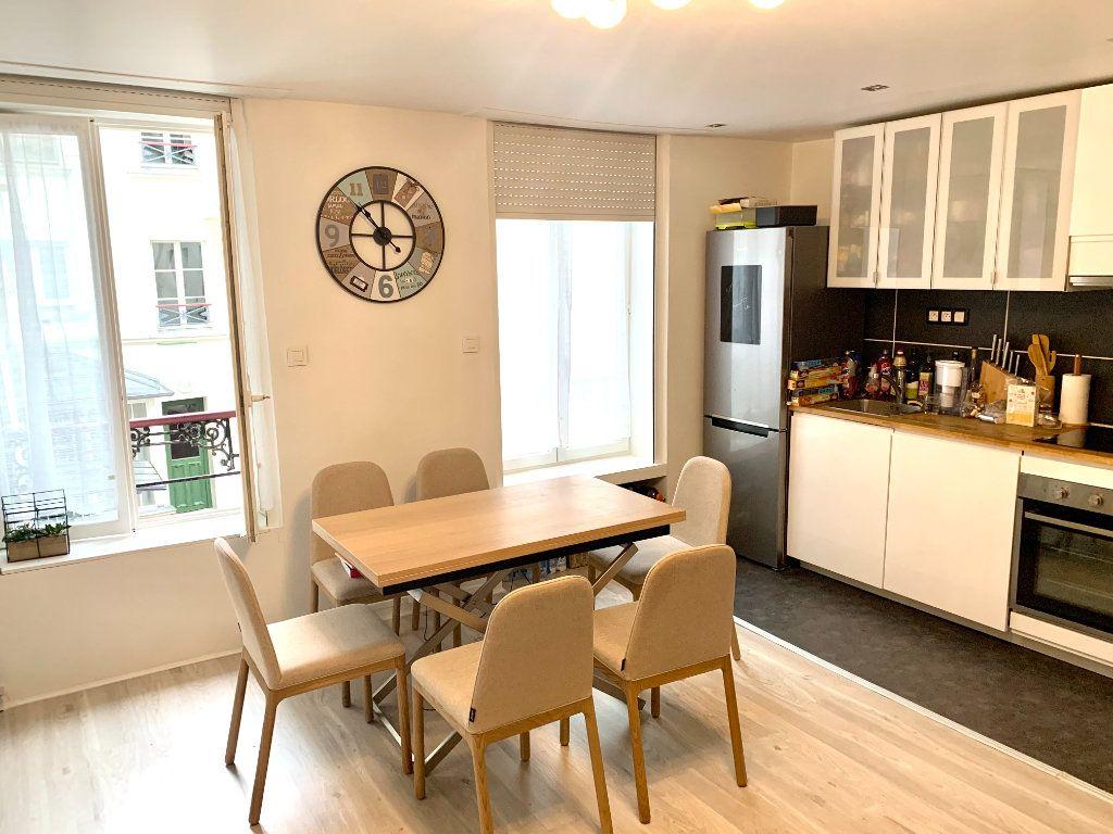 Appartement à louer 1 31.2m2 à Paris 20 vignette-1
