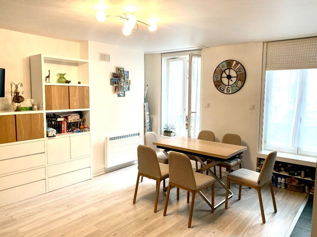 Appartement à louer 1 31.2m2 à Paris 20 vignette-2