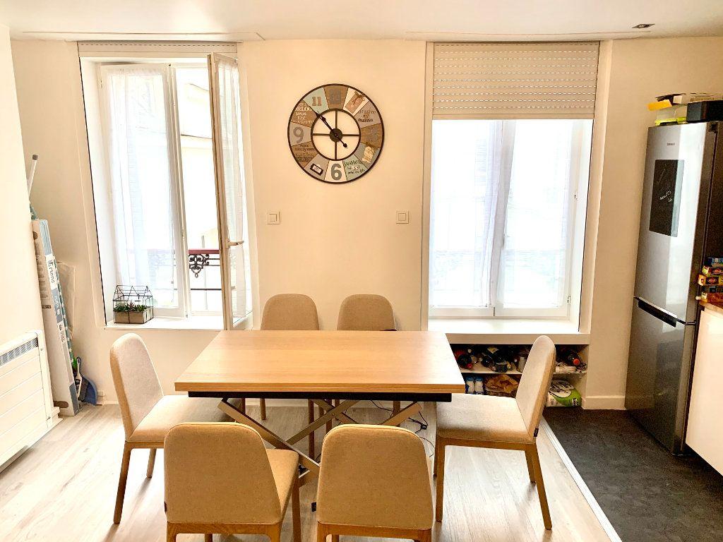 Appartement à louer 1 31.2m2 à Paris 20 vignette-3
