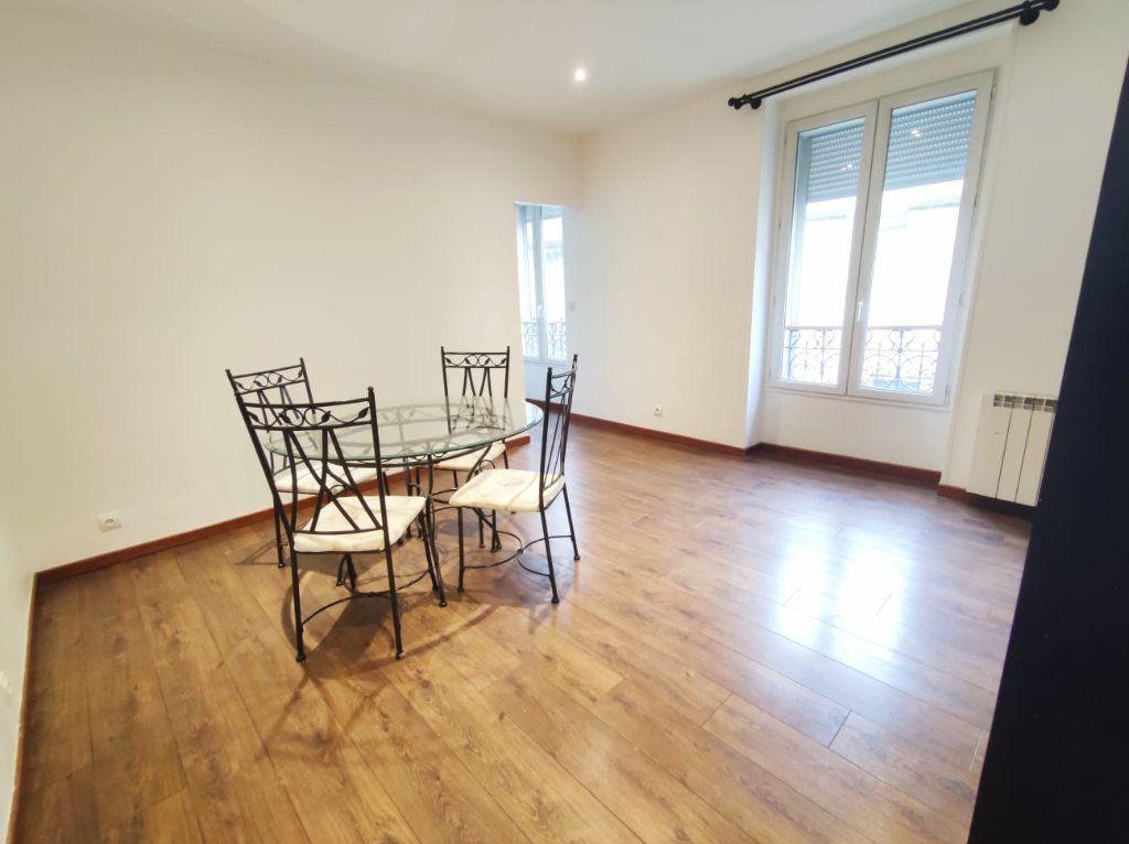 Appartement à louer 2 35.78m2 à Paris 19 vignette-1