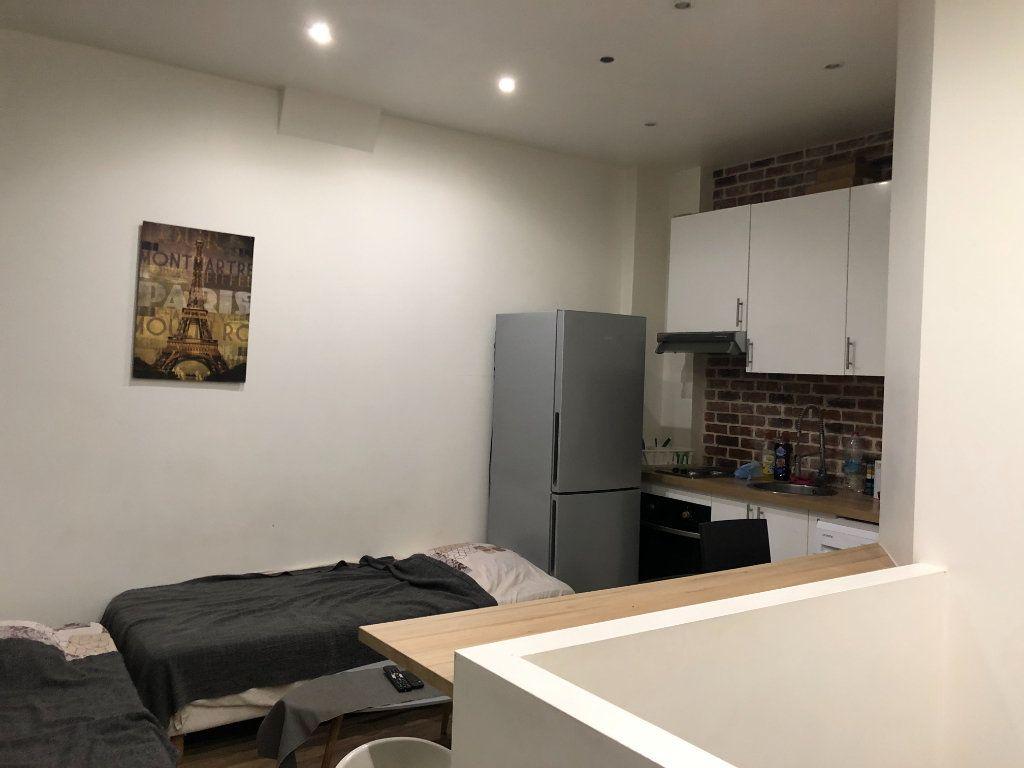 Appartement à louer 2 21.52m2 à Paris 18 vignette-4