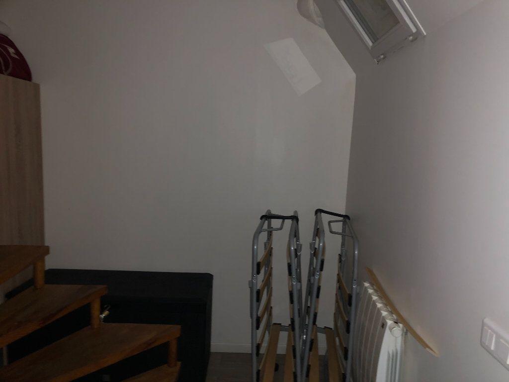Appartement à louer 2 21.52m2 à Paris 18 vignette-8