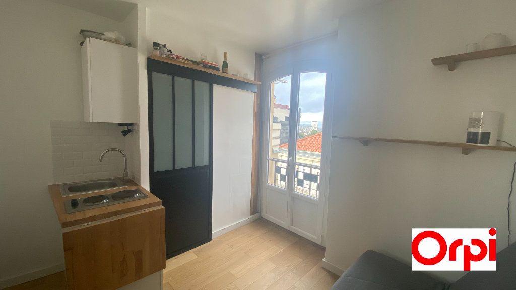 Appartement à vendre 1 10.49m2 à Paris 19 vignette-1