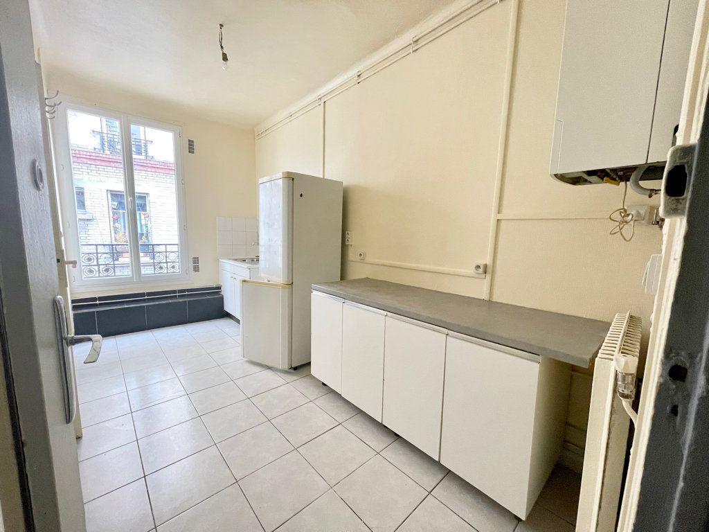 Appartement à louer 2 52.06m2 à Pantin vignette-3