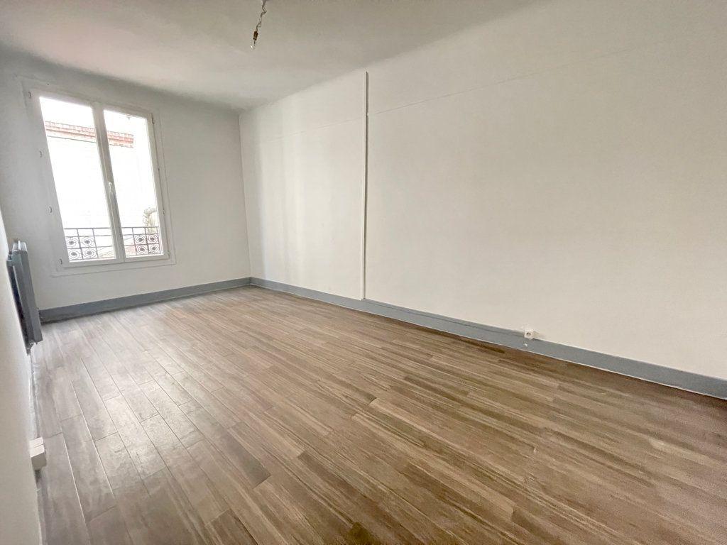 Appartement à louer 2 52.06m2 à Pantin vignette-5