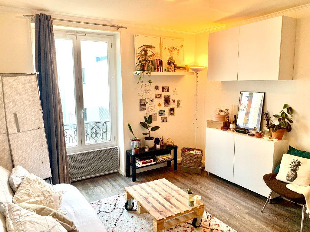 Appartement à louer 1 18.92m2 à Paris 20 vignette-2