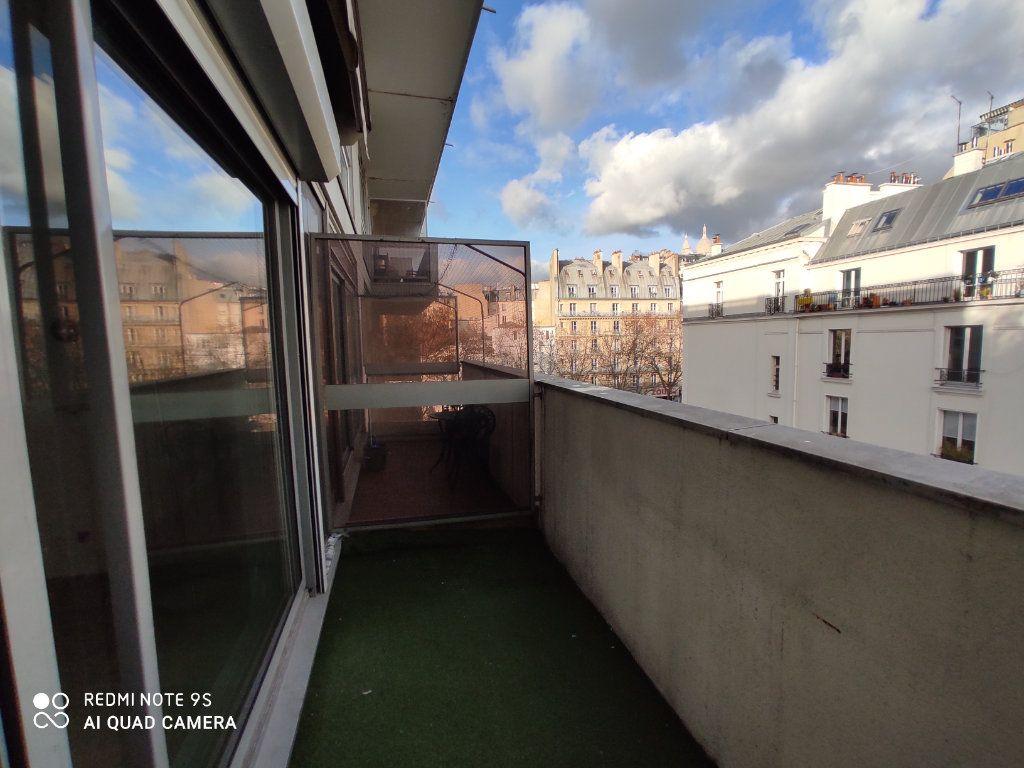 Appartement à louer 1 31.78m2 à Paris 9 vignette-1