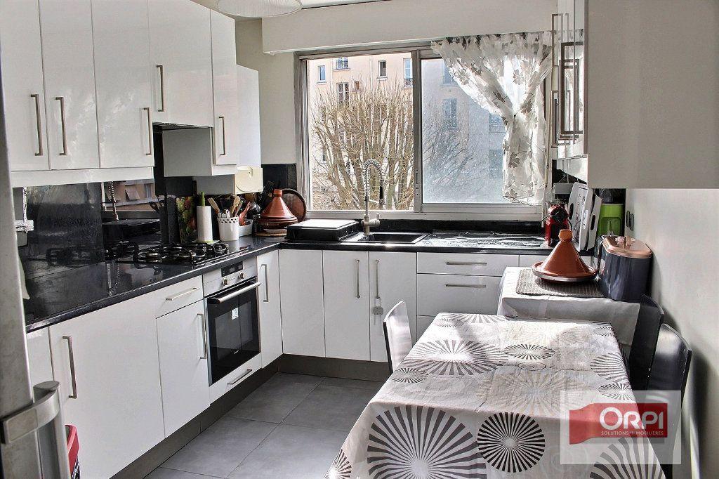 Appartement à vendre 3 72.6m2 à Paris 19 vignette-6
