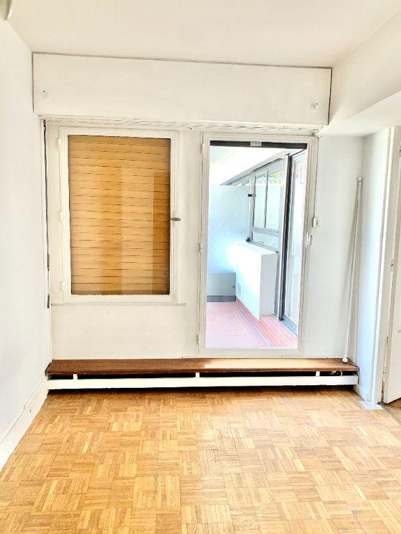 Appartement à louer 2 46.51m2 à Paris 20 vignette-3