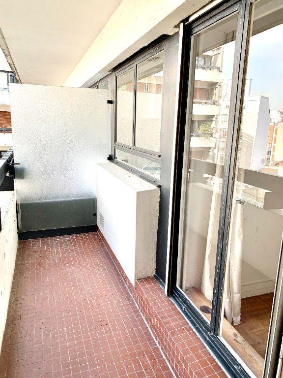 Appartement à louer 2 46.51m2 à Paris 20 vignette-6