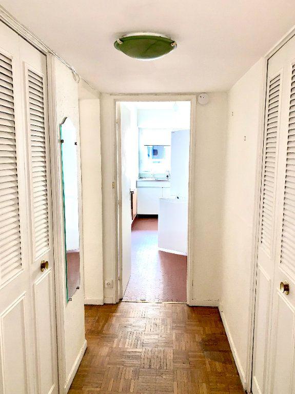 Appartement à louer 2 46.51m2 à Paris 20 vignette-10