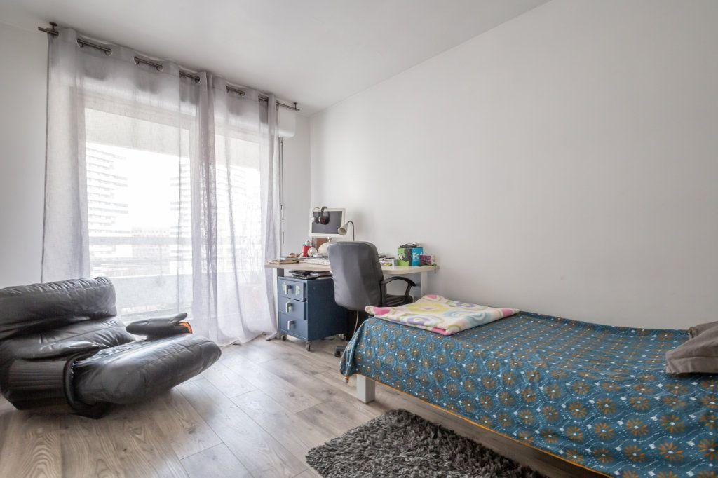 Appartement à vendre 5 108m2 à Paris 19 vignette-12