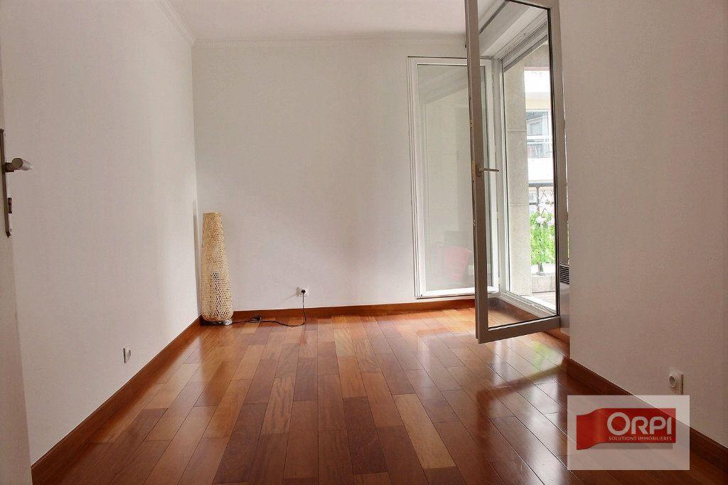 Appartement à vendre 5 101.31m2 à Paris 19 vignette-4