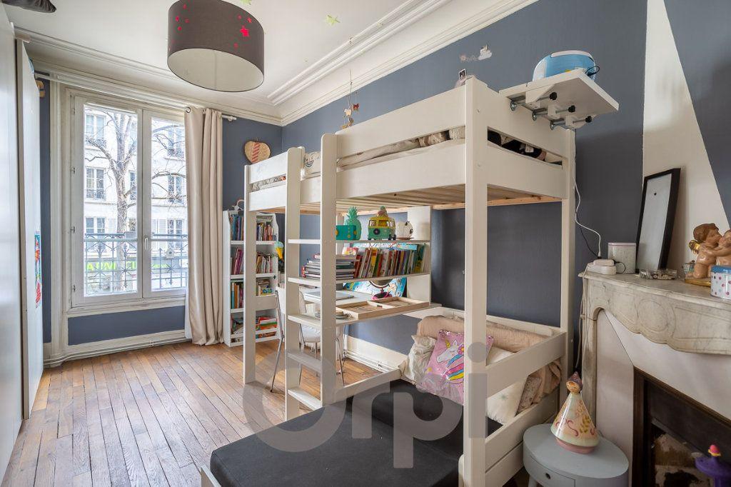 Appartement à vendre 3 65m2 à Paris 19 vignette-4
