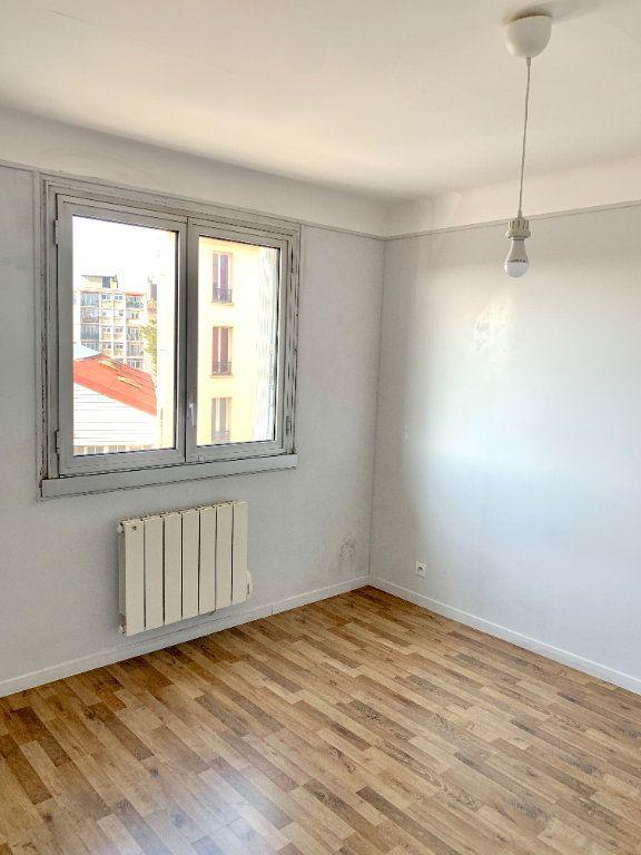 Appartement à louer 3 56.01m2 à Asnières-sur-Seine vignette-2