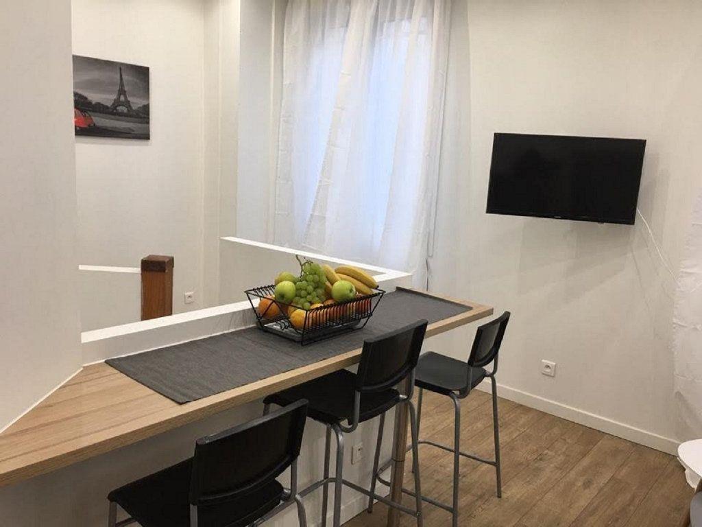Appartement à vendre 2 42m2 à Paris 18 vignette-4