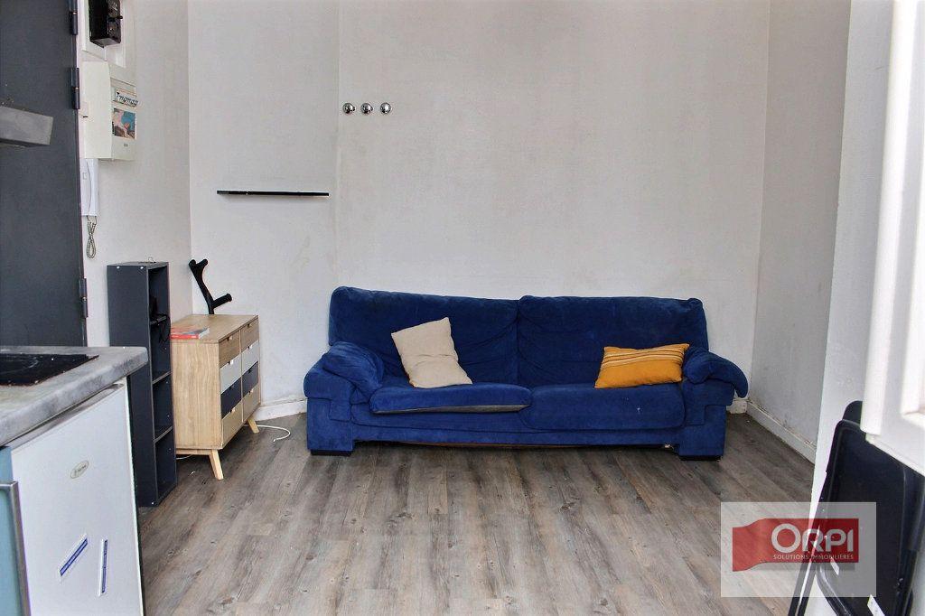 Appartement à vendre 2 23.26m2 à Paris 19 vignette-1