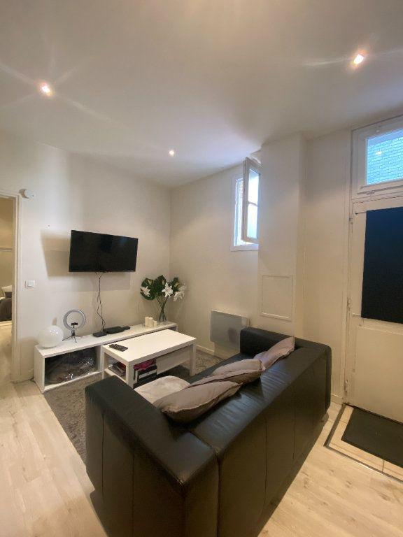 Appartement à louer 2 26m2 à Vincennes vignette-1