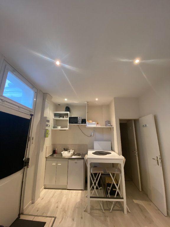 Appartement à louer 2 26m2 à Vincennes vignette-2