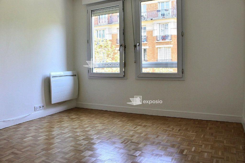 Appartement à vendre 4 95.5m2 à Paris 19 vignette-3