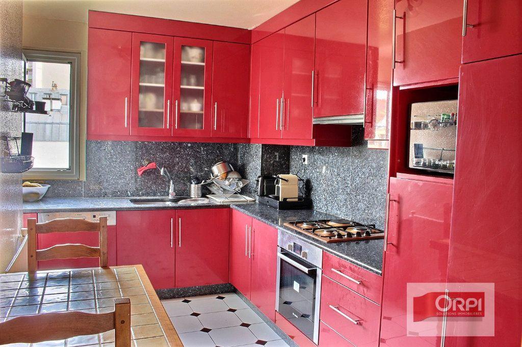 Appartement à vendre 4 87m2 à Paris 19 vignette-4