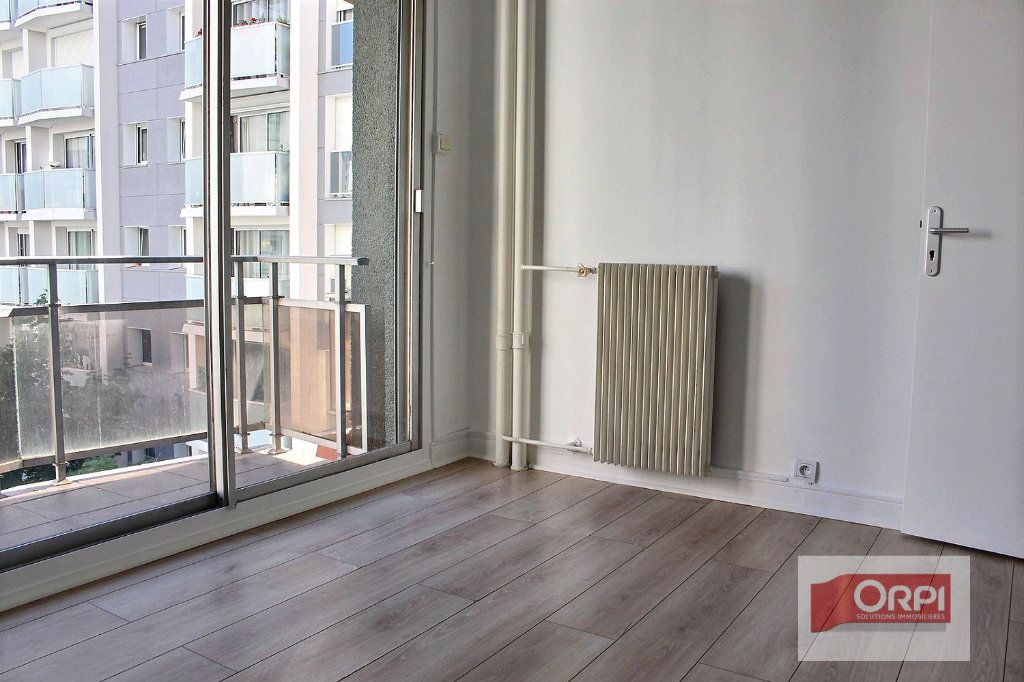 Appartement à vendre 4 78m2 à Paris 19 vignette-5